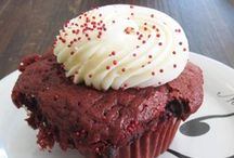 Cupcakes We Crave / We like to write. We also really like to eat cupcakes.