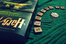 "Slytherin / ""Or perhaps in Slytherin, you'll make your real friends. Those cunning folk use any means to achieve their ends"" // ""O tal vez en Slytherin harás tus verdaderos amigos. Esa gente astuta utiliza cualquier medio para lograr sus fines""."