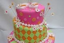 Cakes/Cupcakes / by Destiny Ann