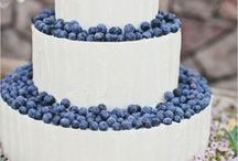 Wedding Cakes / by Bonnie Holland