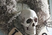 Halloween Wreaths / Add a touch of spooky autumn to your front door.