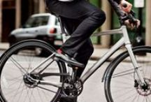 The Bike Commuter's Handbook / Apparel, bikes, and gear to make getting around on a two wheels easier and more fun.