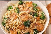Quick and Easy Dinner Recipes / Quick recipes to get dinner on the table in a hurry, because there is never enough time when sports are involved.