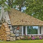 Mushroom Houses in Charlevoix, Michigan! / Must see attractions in Charlevoix, Michigan!  http://www.visitcharlevoix.com/Earl-Young
