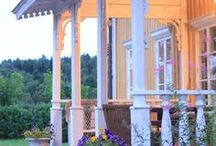 porches and outdoors to loovvee / by Tammy Pegher