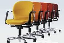 """FS chair / Classic office task chair. The principle is quite simple: the highly flexible seat shell adjusts automatically to any change in posture. The technical term for this is: """"automatic synchro-adjustment"""". We call it """"Sitting without a driving licence."""""""