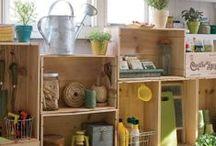 palettes  et vieilles caisses en bois recyclées