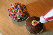Confeitaria / Tips, tutorials and how-to for decorating cookies, cupcakes... / by Bianca Bueno