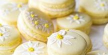 Macaron Recipes / A wonderful little meringue cookie that is a joy to make and eat!