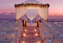 Beach Wedding Inspiration / Although there is a fair bit of time until I get hitched, nobody said that I couldn't start planning/pinning!