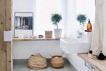 Bathrooms // Cuartos de baño / Lugares muy personales