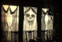 Dark House / Dark Decor