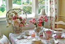 tea sets / pretty tea sets and settings / by Marietta Avrus