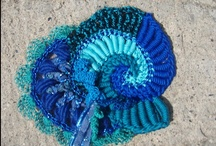 free form crochet yeah ! Le crochet sauvage ,moi je dis.  / Le crochet ça m'attirait ,mais en free ça c'est vraiment moi ! :-D
