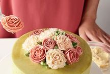 Floral Cakes / Fantastic ideas and techniques for beautiful floral cake designs.