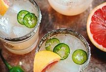 Refreshing Cocktails & Drinks / All the refreshing and sophisticated cocktail recipe ideas you need to add sparkles to your party or happy hour!