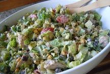 Salad Recipes / by Laura Mendez