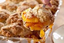 Food Lovin': Sweet Treats / by Ariel Henley
