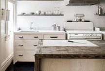 Kitchen Decor Ideas / Ideas for my dream kitchen renovation, with wood cabinets, painted cabinets, minimalist style and traditional style.
