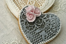 Decorated Cookies / Iced cookies for inspiration! / by Sara Hemenway