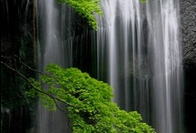 WATERFALLS / Nature