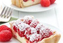 FOOD | Desserts / by Brinda Howard