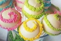 FOOD | Cake Pops  / by Brinda Howard