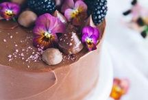 Cakes & Cupcakes / The best cakes & cupcakes perfect for any celebration!