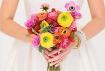 Yellow + Pink Flowers / Yellow and pink wedding flowers Classic color combinations