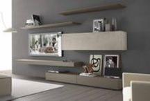 Nábytkové obývací sestavy / Obývací stěna může zabírat celou plochu jedné stěny vašeho obývacího pokoje a nebo může být vzdušná a modulární. Další možností obývacích stěn je příprava na techniku a to jak na ploché televizory, tak i další související přístroje a hudební aparaturu.