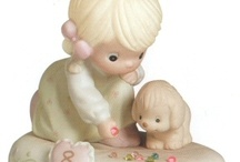 Precious Moments Growing in Grace Birthday / Precious Moments Growing in Grace Birthday Figurines are available in Brunette and Blonde styles. They are the perfect way to commemorate a child's birthday every year from New Baby through Age 16.