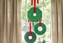 Holiday Home Ideas / Fun and beautiful ideas for making your house a cozy, welcoming home for the holidays