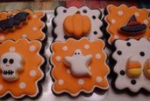 Halloween / Halloween food + decorating ideas / by Susan Lane