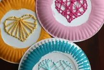 Kids & Easy Crafts / Kids craft ideas for a non-crafty mama. Simple crafts for toddlers, preschoolers and kids of all ages. Creative ideas that don't involve a lot of time, materials or prep. Craft projects that can be done in a day with stuff you have around the house!