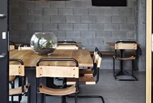 NEW YORK STYLE / Inspirado en los lofts, este estilo decorativo reproduce una estética industrial que suaviza con detalles y objetos refinados para aportarle elegancia y calidez. Austeridad en los revestimientos, elementos metálicos como elementos decorativos y mobiliario inspirado en ambientes de trabajo son sus claves para crear un ambiente urbano muy contemporáneo. www.cityestudiointeriorismo.com