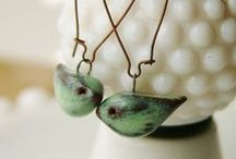 Designing With Ceramic Beads / Ways you can use ceramic beads to create beautiful jewelry and accessories.