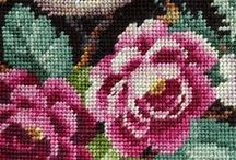Craft Patterns / A collection of craft patterns / tutorials including beadwork or beadweaving patterns (peyote stitch, right-angle weave, brick stitch), cross-stitch patterns, crochet patterns and more.
