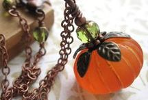 Halloween Jewelry / Halloween inspired jewelry! Including necklaces, bracelets, rings and earrings that contain spooky Halloween components. Skulls, pumpkins, cats, witches, spiders, cobwebs, gothic style and a bit of sparkle too!