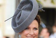 Millinery - felt hats / Hats from various eras made from felt