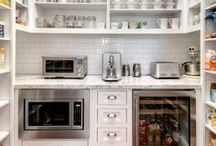 Pantry Design and Organization Ideas / Pantry Ideas for your Home  Pantry, dream pantry, organized pantry, pantry shelving, shelves, bins, baskets, organization, bulk food, interior design, interior decor, interior styling, home staging, butlers pantry, home sweet home, dream home, luxury home, walk in pantry, closet pantry, small pantry, DIY pantry