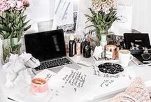 Minimal Decor | Office / Simple living | Minimalism lifestyle tips | Minimalism benefits | Work from home | Home office decor | Become a Minimalist | Minimalism Inspiration