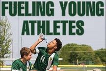 Fueling Young Athletes: About the Book & Book Reviews / Fueling Young Athletes