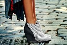 FALL '14: #ThoseShoes / Where did you get those shoes? DSW, of course. Where shopping for those shoes, boots, pumps, oxfords (you name it!) at that price means the hunt is over.
