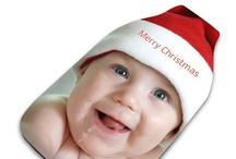 Foto Weihnachtsgeschenke  / HIer findest du ein paar Ideen und Anregungen, wie du eigene Fotos in wunderbare Weihnachtsgeschenke für die ganze Familie verwandeln kannst. Jedes Fotogeschenk wird in unserem Studio in London in Handarbeit hergestellt, und bereits innerhalb weniger Tage bei dir.