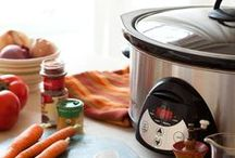 Food~Slow Cooker Sundays / Crockpot recipes to try. I really like the spicy chicken.