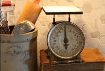 Rustic / Decorating with rustic or vintage items... find me a flea market!