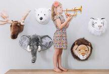 Cabezas Peluche / Los trofeos de cabeza peluche son tendencia en decoración infantil, una forma fácil de darle un toque original y trendy a la decoración de cualquier habitación infantil.