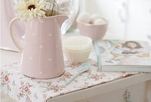 Dreamy Pastels  / by Vicky @ hOme