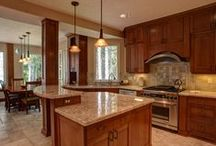 Favorite Kitchens at Mt Hood Vacation Rentals / Every Mt Hood Vacation Rental has a modern fully-equipped kitchen, however there are a few that we really love.