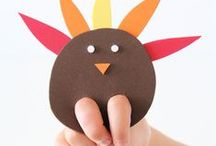 Easy Peasy Holiday Crafts / Easy holiday crafts to do with the kids!